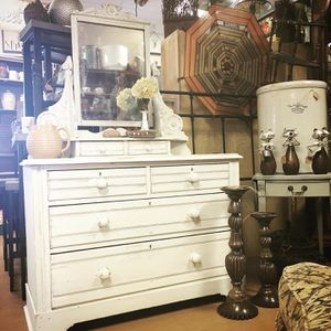 Lovely Eastlake antique drawer and mirror for Sale in Mesa, AZ