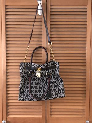 Michael Kors Bag for Sale in Bremerton, WA