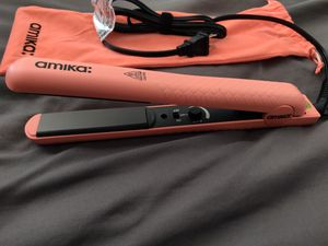 Amika 1.25 in Strand Perfect Hair Styler Straightener for Sale in Phoenix, AZ