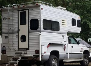 1997 8SC Truck Bed Camper - for Short Bed for Sale in Port Orchard, WA
