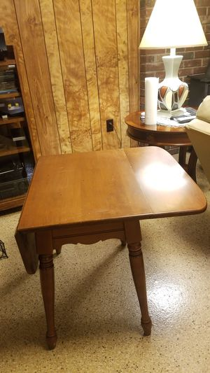 Nice little breakfast table for Sale in Kittanning, PA