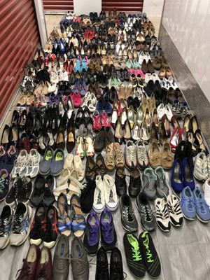 #1) Lot of 215 of mixed summer shoes for Sale in Mount Rainier, MD