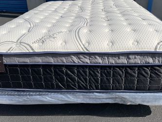 Cal King Imperial Touch Pillow Top Mattress And Boxspring! for Sale in Covina,  CA