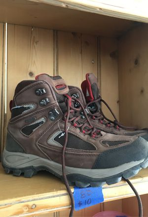 Gently used hiking boots 8D for Sale in Crawford, CO