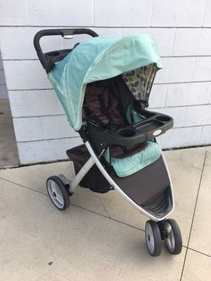 NICE! Graco jogging stroller with swivel wheel for Sale in Azusa, CA