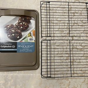 Cookie sheet set and two cookie racks for Sale in Colma, CA