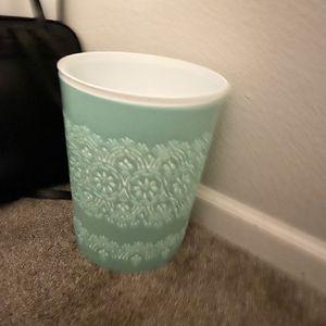 Trash Bin for Sale in Antioch, CA