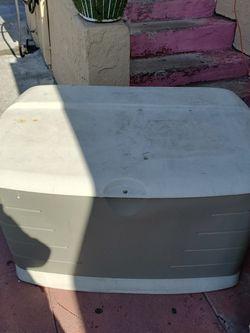 Rubbermaid Storage Plastic Box for Sale in Oakland,  CA