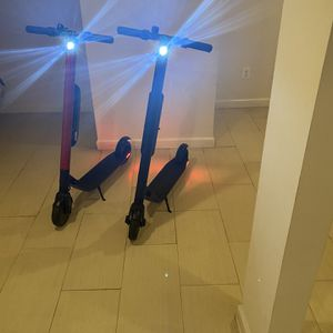 Two Segway Ninebot ES4 Great Working Condition for Sale in Forestville, MD