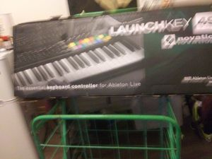 NOVATION Launchkey 49 for Sale in Los Angeles, CA